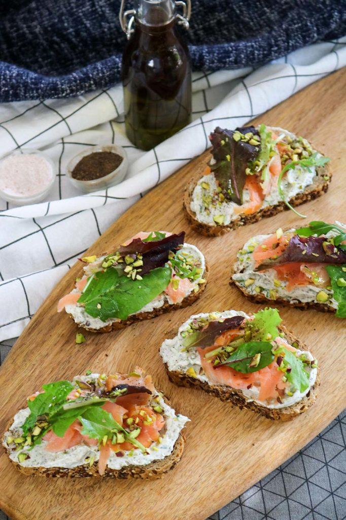 Bruschetta with smoked salmon and cream cheese
